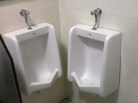 Urinal im Doppelpack