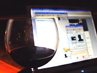 Rotwein & Skype auf dem Balkon