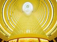 Der längste Wäscheabwurfschacht der Welt im Grand Hyatt Hotel in Shanghai