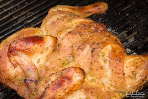 Lime-Tequila-Huhn vom Kugelgrill - fertig gegrillt und knusprig